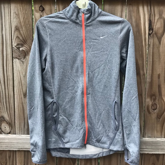 9860ed5b366b Nike Dri Fit Gray Mock Neck Zip Up Jacket EUC. M 5b61c0f20e3b8639a1e5acea